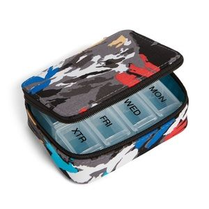 Vera Bradley Bags - Vera Bradley Travel Pill Case 💊